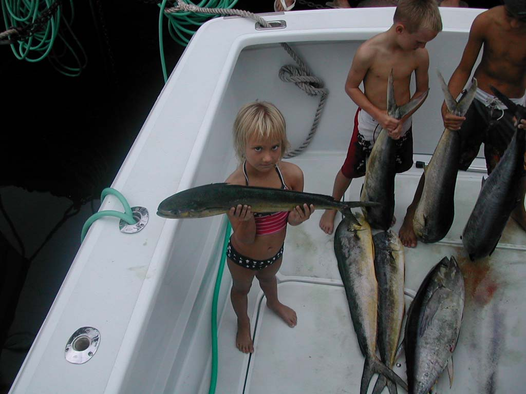 Family fishing trips in kailua kona hawaii hooked up for Best time to go deep sea fishing in the gulf