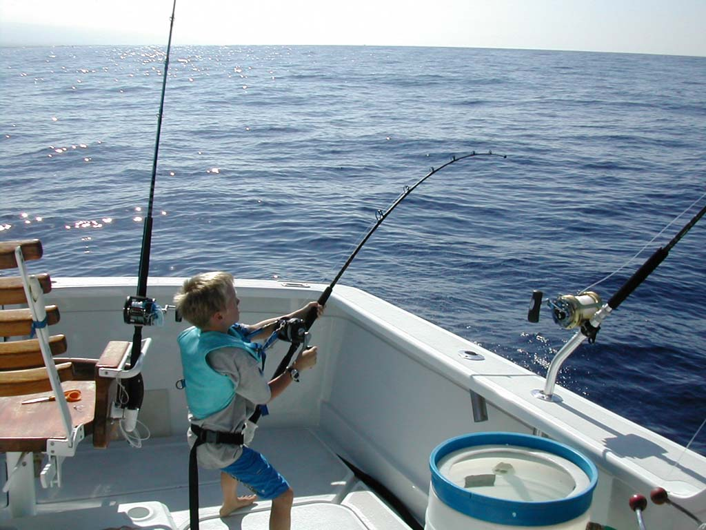 kids-deep-sea-fishing9 kona charter fishing boat