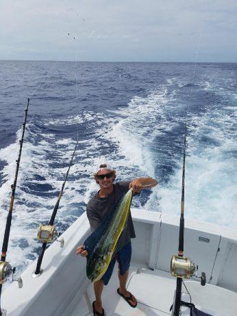 mahi mahi kona hawaii charter fishing